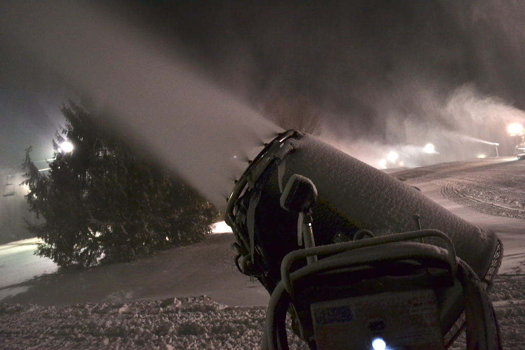 Cranking Snowmaking For Holiday Weekend