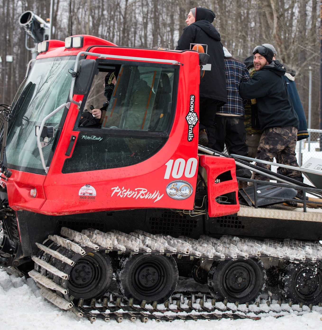 Pisten bully 100 for sale - The Woods Terrain Park Opens Thurs 4pm