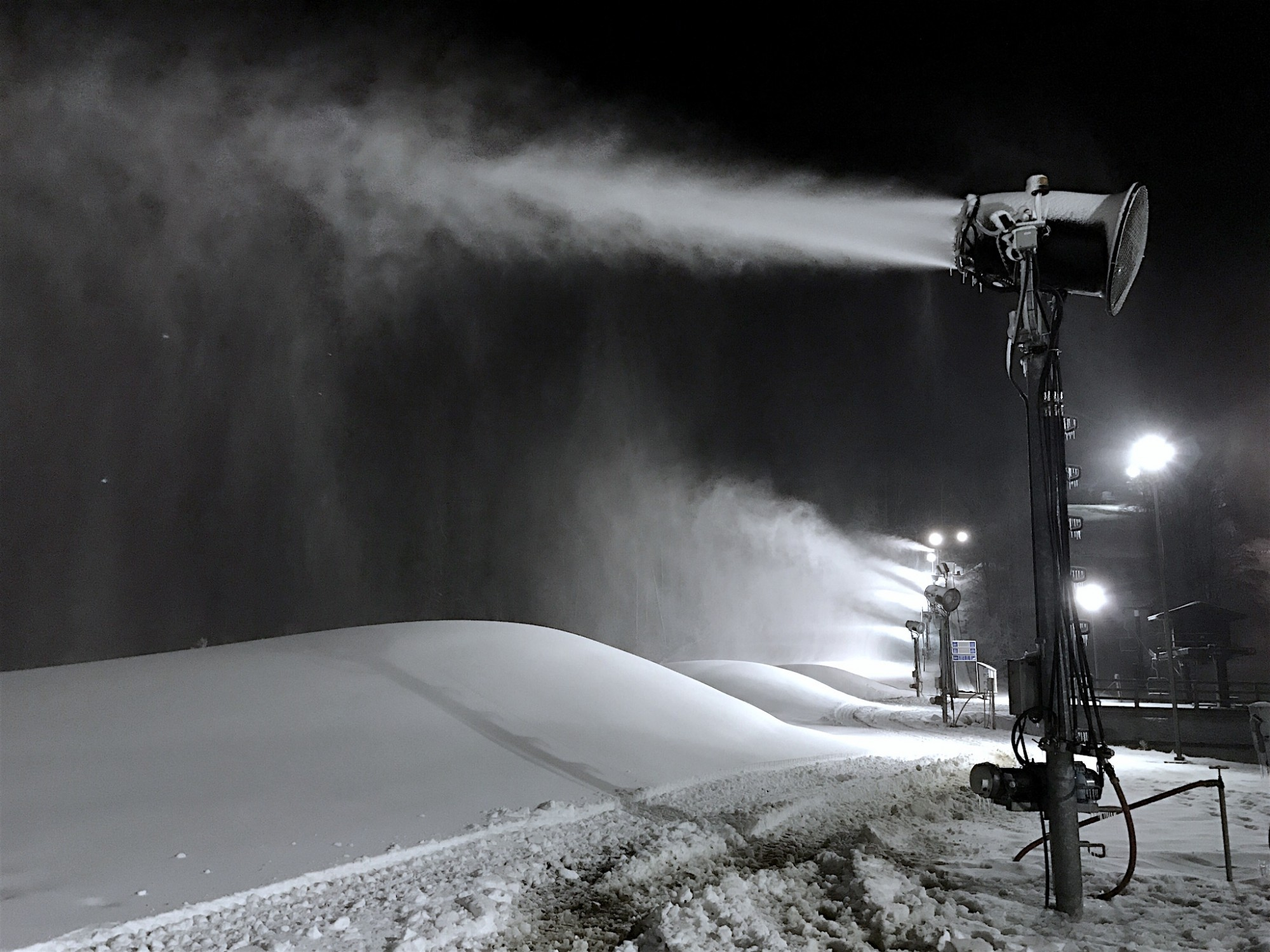 Vertical Descent Tubing Park Snowmaking System at Snow Trails
